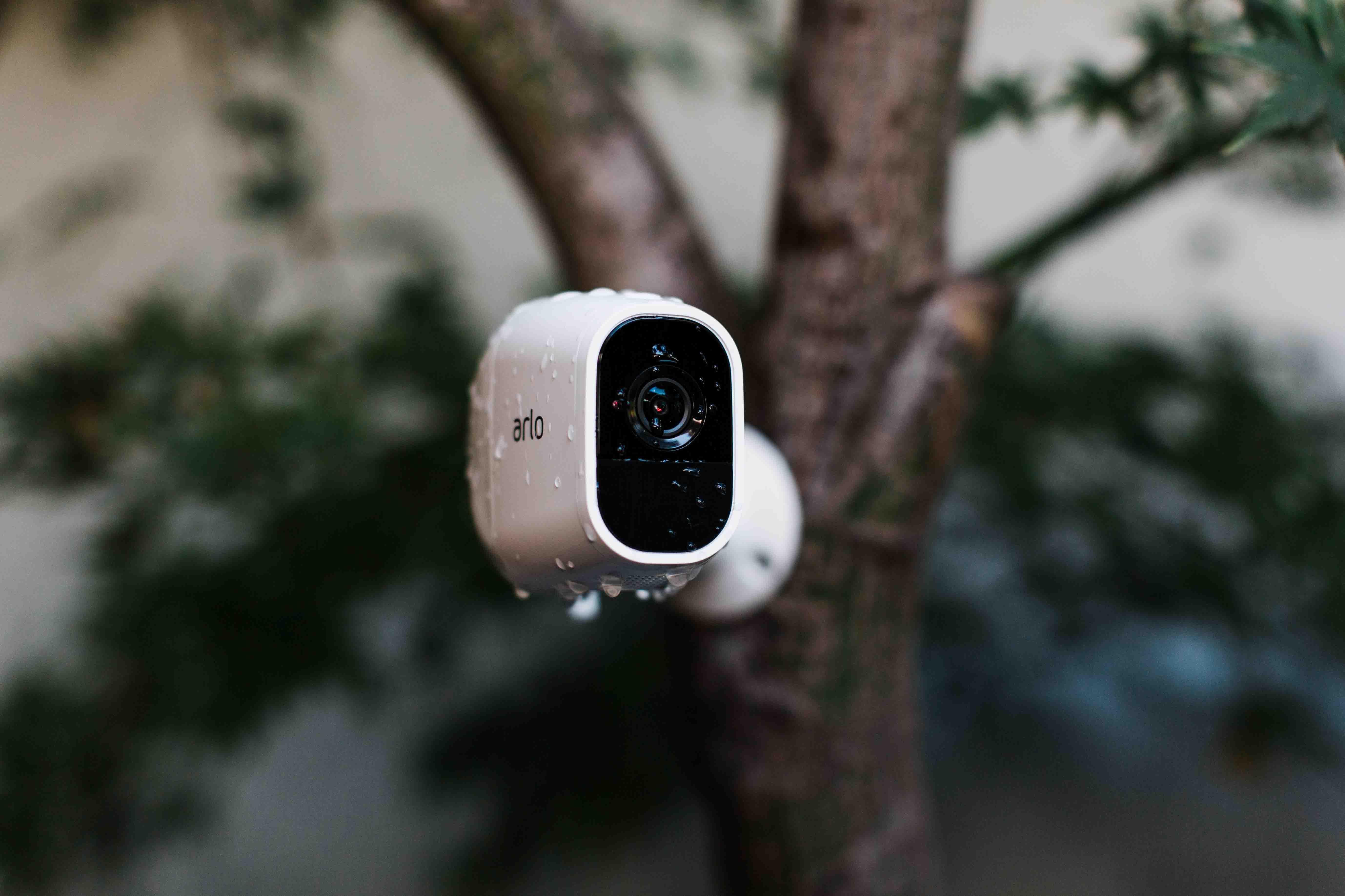 Arlo Pro 2, este rezistent la apa IP65 smart 4 home